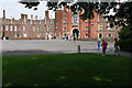TQ1568 : Hampton Court Palace by Alan Hunt