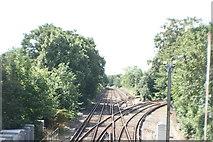 TQ1572 : View south down the railway tracks towards London by Robert Lamb