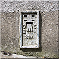 H8543 : Flush Bracket, Milford by Rossographer