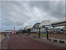 TG5307 : Seagulls on Great Yarmouth Seafront by Basher Eyre