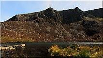 SH5150 : Craig Cwm Silyn corrie lake and Craig yr Ogof by Vivien and Geoff Crowder