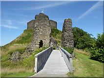 SX3384 : Launceston Castle by Chris Allen