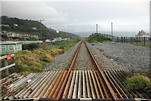 SH6017 : The Cambrian Line approaching Barmouth by Jeff Buck