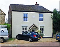 SU2199 : Old house in Sherborne Street, Lechlade-on-Thames, Glos by P L Chadwick
