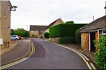 SU2199 : Swan Close, Lechlade-on-Thames, Glos by P L Chadwick