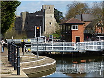 SK7953 : Newark Town Lock No 9 on the River Trent by Mat Fascione