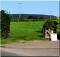 ST5898 : Five-bar gate, St Briavels Road, Woolaston by Jaggery