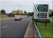 SO9198 : Ring Road direction signs, Wolverhampton by Jaggery