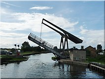 SE6912 : Wykewell lift bridge, opening for a boat by Christine Johnstone
