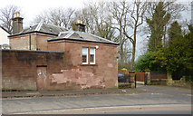 NS4762 : Gatehouse on Park Road by Thomas Nugent