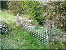 SE0927 : Gate on Halifax FP399 near Lee Lane, Northowram by Humphrey Bolton