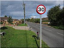 TG2834 : North Walsham Road, Trunch by Hugh Venables