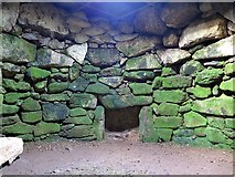 SW4028 : Internal chamber of fogou, Carn Euny by Andrew Curtis