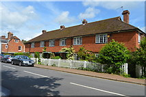 TQ5243 : Row of Cottages, High St by N Chadwick