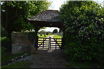 TQ5446 : Lych gate to St Mary's Church by N Chadwick