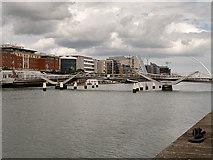 O1634 : River Liffey, The Seán O'Casey Bridge by David Dixon