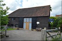 TQ5045 : Converted barn, Larkin's Farm by N Chadwick