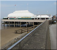 ST3049 : Towards the pavilion and pier, Burnham-on-Sea by Jaggery