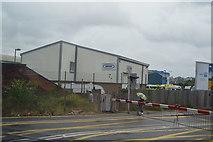 SU4212 : Mount Pleasant Level Crossing by N Chadwick