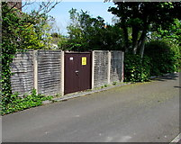 ST3050 : Braithwaite Place electricity substation, Burnham-on-Sea  by Jaggery