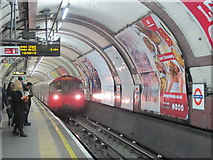 TQ3084 : Caledonian Road tube station - southbound platform by Mike Quinn