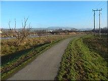 NS3977 : Cycle path near Dalquhurn by Lairich Rig