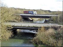 SU4726 : M3 and A3090 bridges over River Itchen by Robin Webster