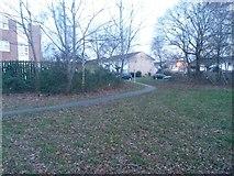 SZ0794 : Ensbury Park: footpath N31 swings round to Cornish Gardens by Chris Downer