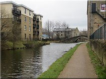 SE1537 : The Leeds and Liverpool Canal at Dockfield by Peter Wood