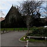 SS8591 : East side of St David's Church, Maesteg by Jaggery