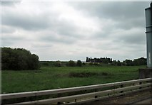 J1461 : Crash barrier alongside the M1 west of Junction 9 (Lurgan) by Eric Jones