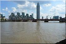 TQ3078 : St George's Wharf Tower & Vauxhall Bridge by N Chadwick