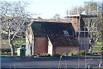 TQ5940 : Oast House, Grosvenor Park by N Chadwick
