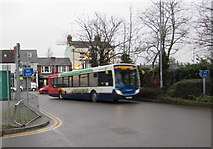 SO5140 : X3 bus enters Hereford Country Bus Station by Jaggery