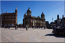 TA0928 : Queen Victoria Square, Hull by Ian S