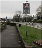 ST2896 : Give way to oncoming vehicles, Maendy Way, Cwmbran by Jaggery