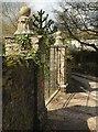 SX8554 : Gatepiers, Bramble Torre by Derek Harper