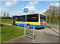 SU8568 : Bus Lane with a Bus by Des Blenkinsopp