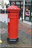 TQ5838 : Victorian postbox (replica), The Pantiles by N Chadwick