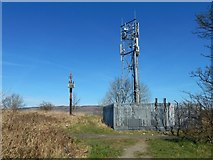 NS4670 : Mast on Craigend Hill by Lairich Rig