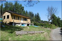 NS5379 : Hut restoration/rebuilding, Carbeth by Richard Webb