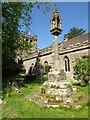 SO5868 : Preaching cross in Burford churchyard by Philip Halling