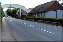 SO8104 : West side of a school footbridge over Ebley Road Stonehouse by Jaggery