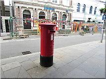 SS9079 : Queen Elizabeth II pillarbox in Bridgend town centre by Jaggery