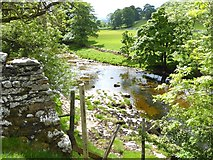 SD9771 : River Wharfe by Oliver Dixon