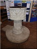 TQ2075 : St Mary the Virgin, Mortlake: font by Basher Eyre