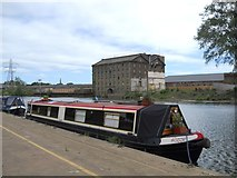 TL1998 : Narrow boat on the River Nene, Peterborough by Paul Bryan