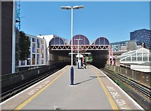 SU6400 : Portsmouth, Platforms 1&2 by Mike Faherty