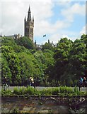 NS5666 : University of Glasgow tower by Richard Sutcliffe
