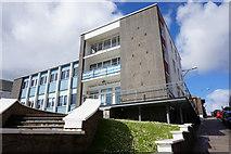 HU4741 : Hjaltland Housing Association Flats by Ian S